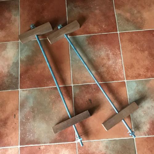 Morbic 12 Centreboard Case clamps